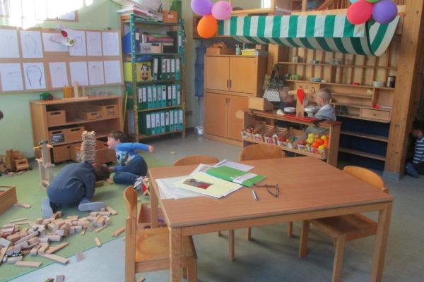 spielende Kinder in der Grünen Gruppe